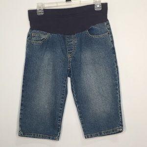 Two Hearts Matenrity Small Short Band Shorts knee